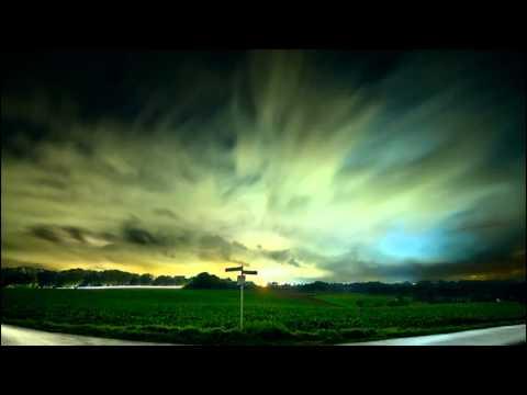 Moby - Raining Again (Ewan Pearson Vocal Remix)