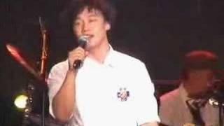 陈奕迅现场演唱《爱情转移》