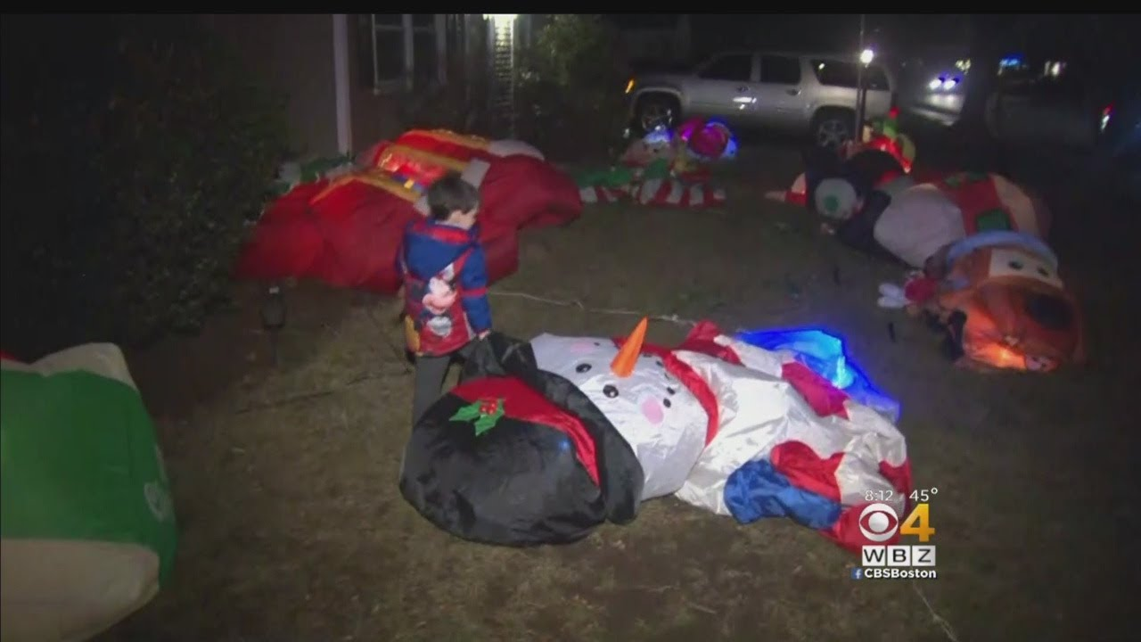 Grinch Slashes 12 Inflatable Christmas Decorations In Natick