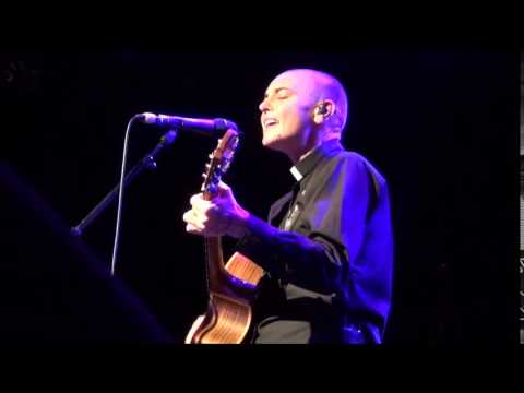 Magda Davitt (FKA Sinéad O'Connor) - What Doesn't Belong to Me (A'dam 2014-09-28)
