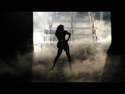 Beyonce S I Am Tour Crazy In Love Naughty Girl Seattle 2009