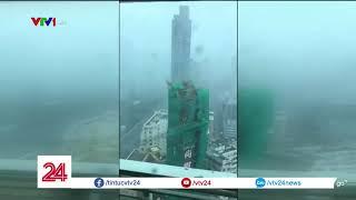 Người dân Hong Kong vật lộn với tàn dư của bão Mangkhut | VTV24