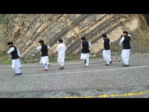 Pashto Attan 2018 Amazing Attan By Waziristan Youngsters At FC College Lahore