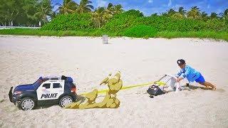 Senya play pretend police saving little cars.
