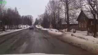 Онега. Слалом-вождение по центральной улице города.(Пришла весна,асфальт уходит как обычно со снегом., 2015-04-09T17:31:08.000Z)