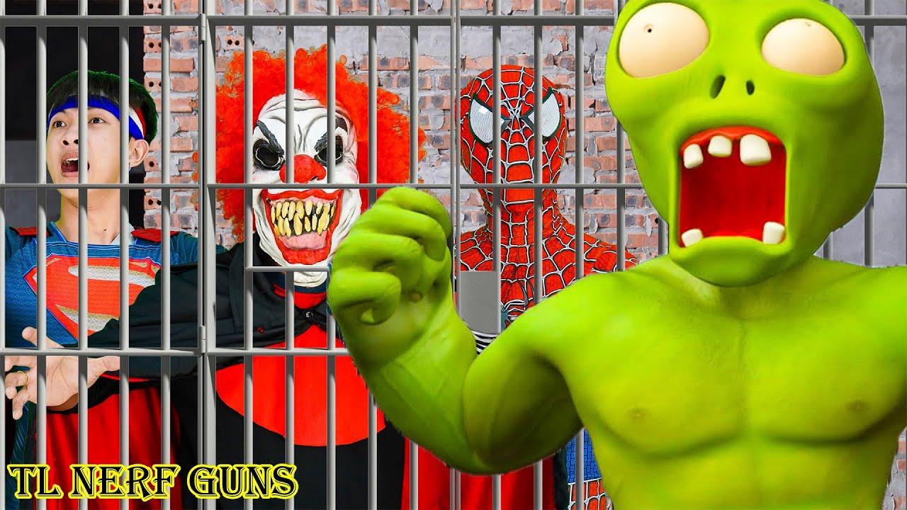 Superhero Nerf War: Hulk  X Warriors Nerf Guns Fight Criminal Group Rescue Spiderman From Prison