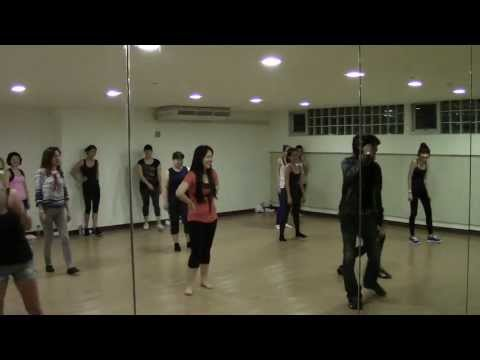 Akhiyan Mila --- Bollywood Dance class with Master Govind on 13 Jun 13