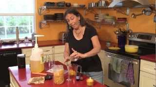 Aromatherapy Recipes: Make Your Own Aromatic Beeswax Candle