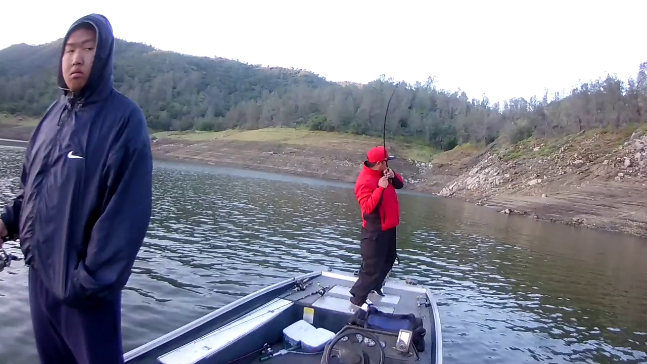 Bass fishing at pine flat lake ca youtube for Lake of the pines fishing report