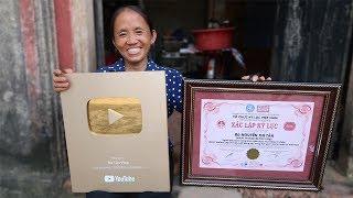 Ăn Mừng Nút Vàng Thằng Cháu Youtube Tặng Cho Bà Tân Vlog