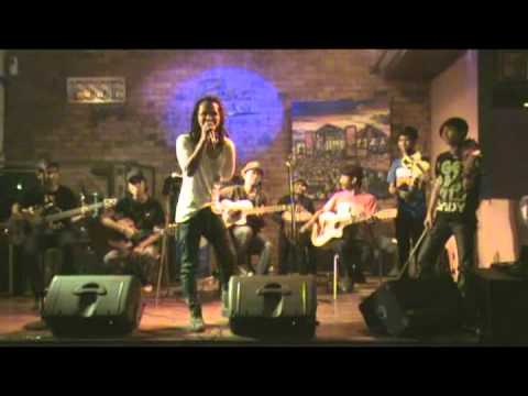 Ipang feat #FBLkustik - Ada Yang Hilang.mpg