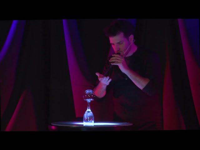 Salí de la burbuja | Agustín Viglione | TEDxSanIsidro