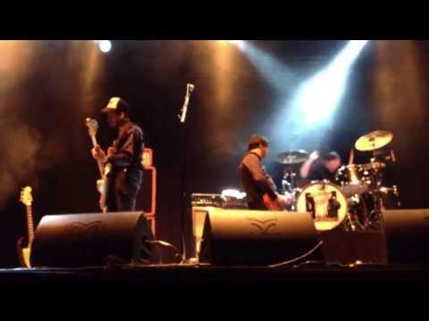...and-you-will-know-us-by-the-trail-of-dead---catatonic---live-@-groezrock
