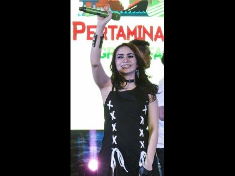 Momo Geisha Terbaru : Jika Cinta Dia live concert with Lyric 2016
