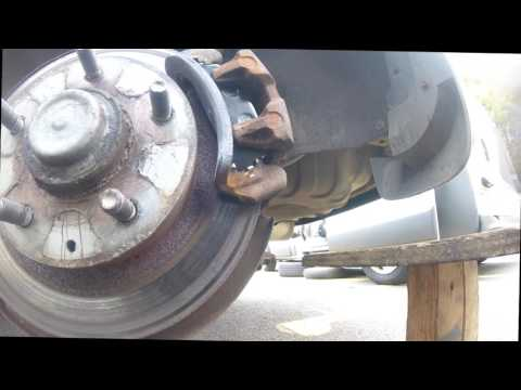 Как поменять задние тормозные колодки Mazda PREMACY \ How To Change The Rear Brake Pads