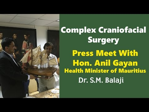 Dr. S.M. Balaji honored by Hon'ble Anil Gayan, Health Minister, Mauritius