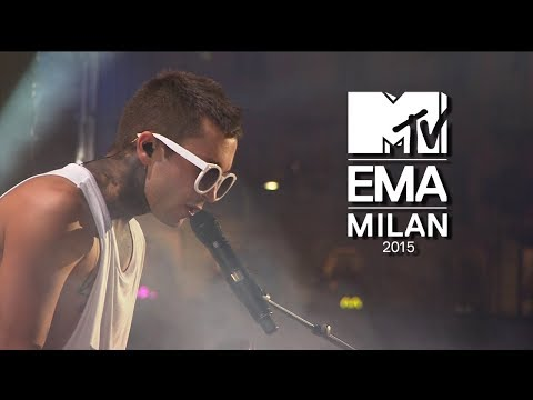 twenty one pilots - Tear In My Heart (Live MTV Europe Music Awards 2015) 1080p HD