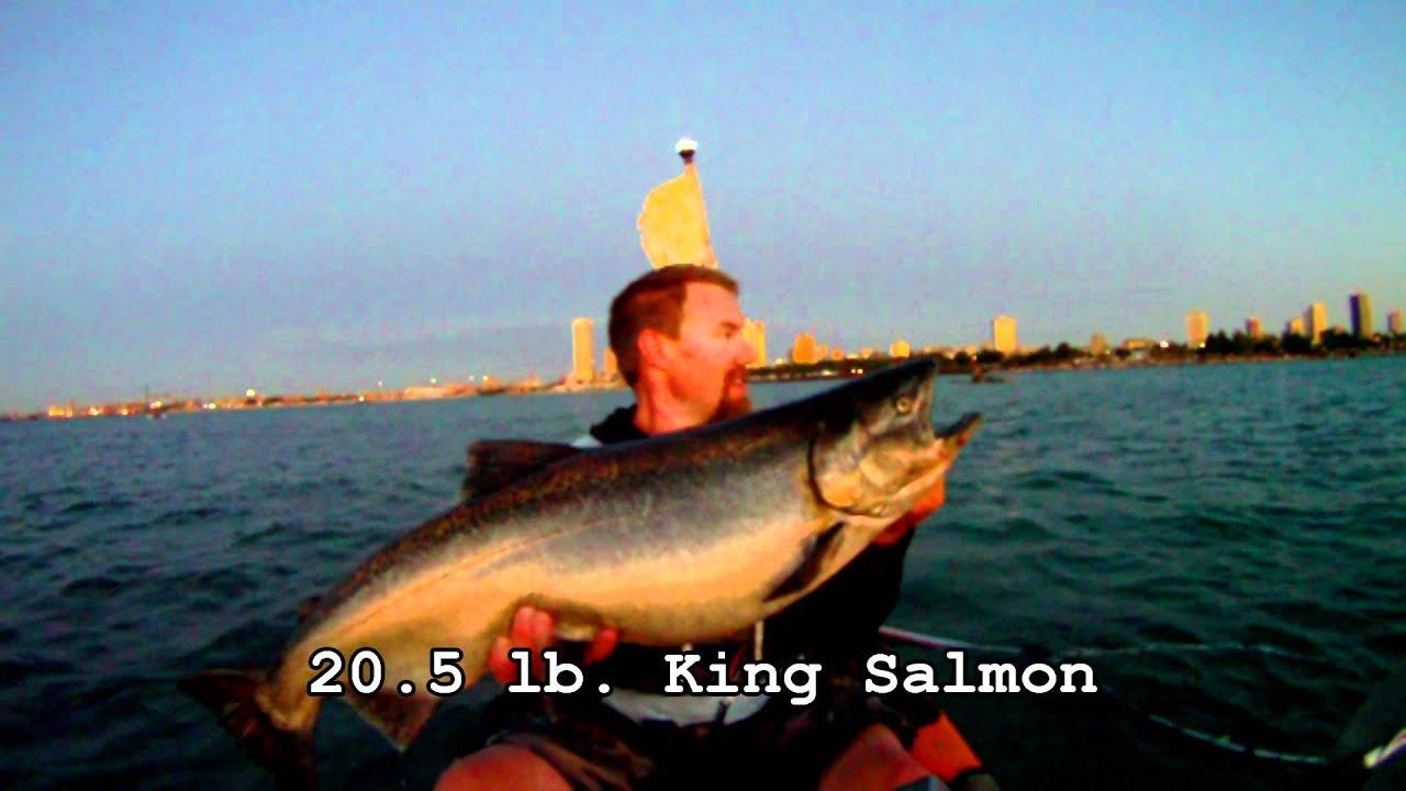 Kayak fishing for king salmon in milwaukee youtube for Milwaukee harbor fishing report