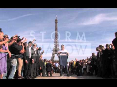 Zlatan Ibrahimovic At The Eiffel Tower Showing His New Jersey And Play With Ball