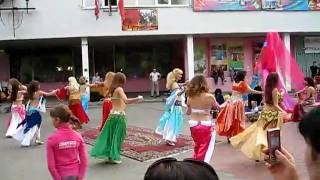 Dances of the Persian beauties from Russia, a part 4 Resimi
