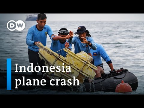 Flight recorders found after Indonesia plane crash | DW News