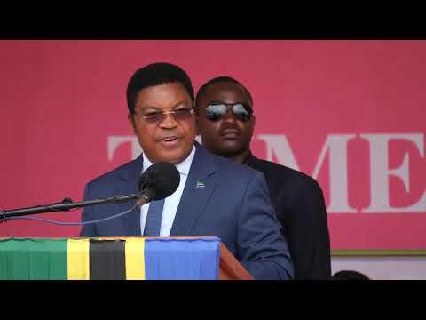 Download Takwimu za maambukizi ya VVU kwa vijana ziko juu -  Waziri Mkuu Mhe. Kassim Majaliwa
