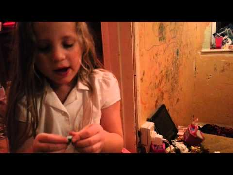 Sister reviews:all of her shopkins (part 1) ep1