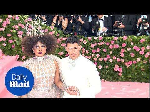 Nick Jonas Holds Onto Wife Priyanka Chopra At The 2019 Met Gala