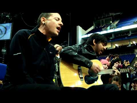 "Linkin Park ""Leave Out All The Rest"" acoustic - summit London 2010"
