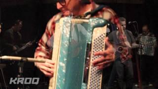 Social Distortion - machine Gun Blues Live On The Kevin & Bean Show