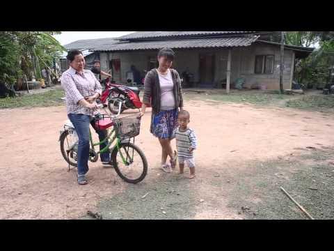 Ethnic Lanna Fair Trade Video Handbags Textiles Hmong Hill Tribe Thailand