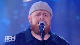 Tom Walker - Leave a Light On (Live @ RFM Music Show 2018)