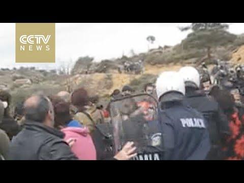 Protests against migrant center in Kos get violent