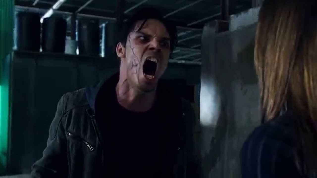 Download Beauty and the Beast 1x02 || Vincent Gets Angry With Catherine