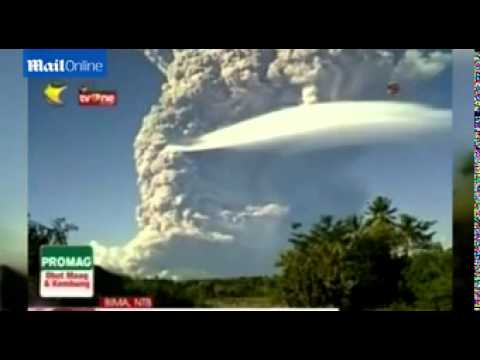 12 mile high ash cloud looms over Indonesia as volcano erupts
