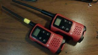 Установка удлиненной антенны для рации Motorolla TLKR T40(Краткое видео по установке удлиненной антенны на бюджетную рацию Motorolla TLKR T40 Используется медный антенный..., 2015-02-15T22:19:53.000Z)