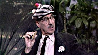 Groucho Marx Makes a Surprise Visit on The Tonight Show Starring Johnny Carson - 10/04/1965