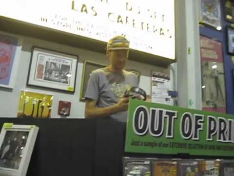Dj GARTH Mixing in Amoeba Records • Honest™