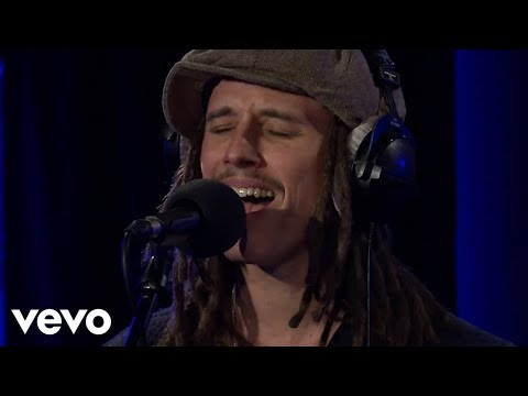 JP Cooper - 1-800-273-8255 (Logic cover) ft Yungen in the Live Lounge