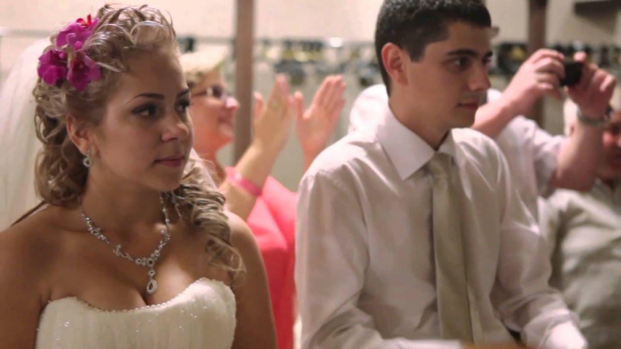 Видео мама поёт на свадьбе сына
