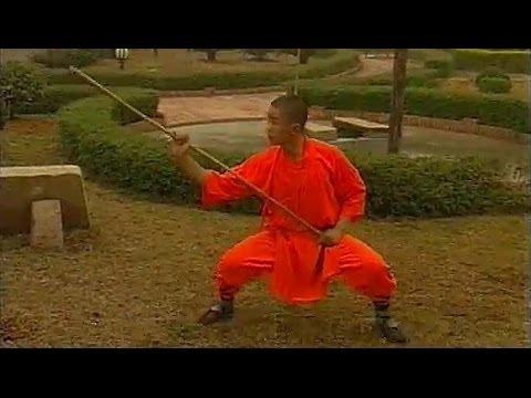 Shaolin kung fu eyebrow-height staff