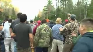 Mi'kmaq warriors and blockade supporters clash with RCMP