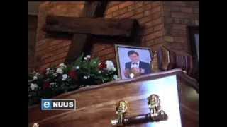 Boeremusieklegende begrawe / Boeremusiek legend