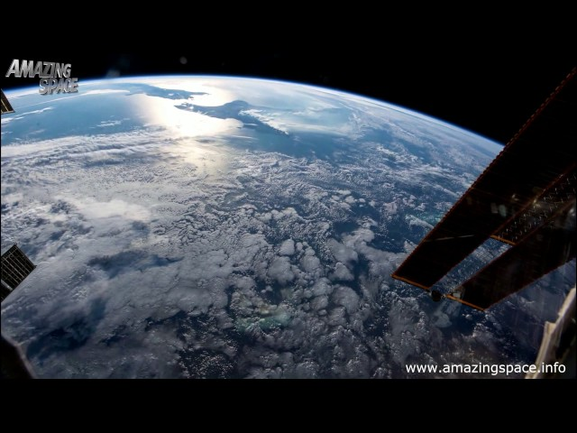 Time Lapse : Earth From Space - Incredible video of our home planet