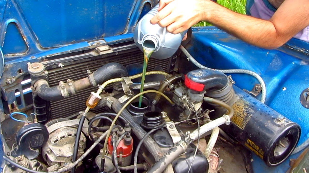 Changing The Oil And Filter On An Old Car Dacia 1300 Youtube Engine Coolant In Cars