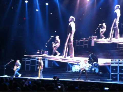 Van Halen Concert Setlist at TD Banknorth Garden, Boston, MA, USA on March 11, 2012