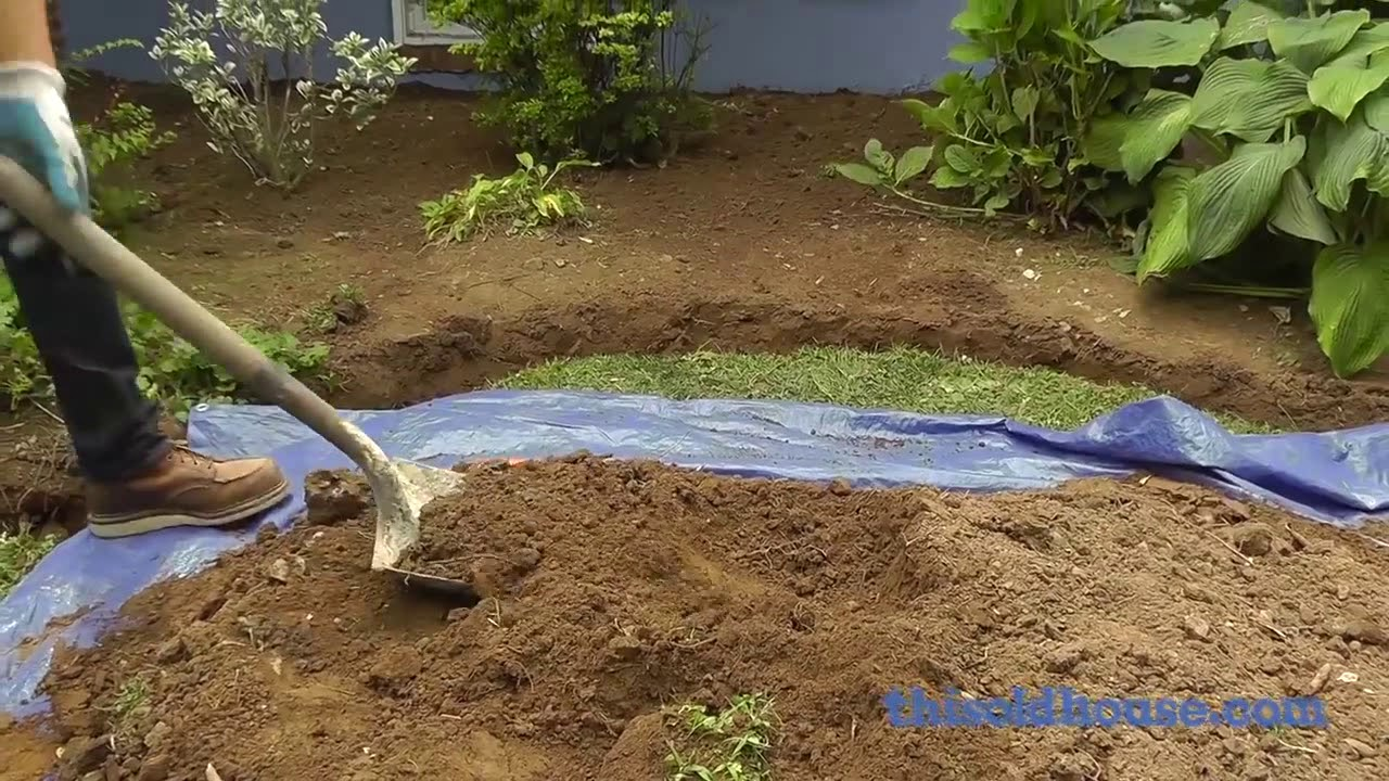 How to Edge a Garden Bed With Brick This Old House - YouTube