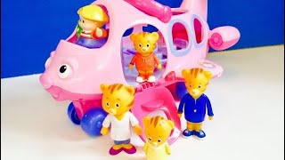 DANIEL TIGER Toys Pink Airplane Trip to the AQUARIUM!