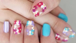 Flower Chain Nails