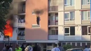 Politieagent valt van brandende flat Utrecht